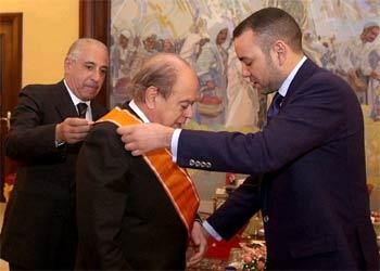 Pujol, condecorado por el rey de Marruecos