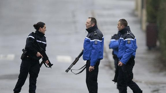Varios agente de la Policía francesa.