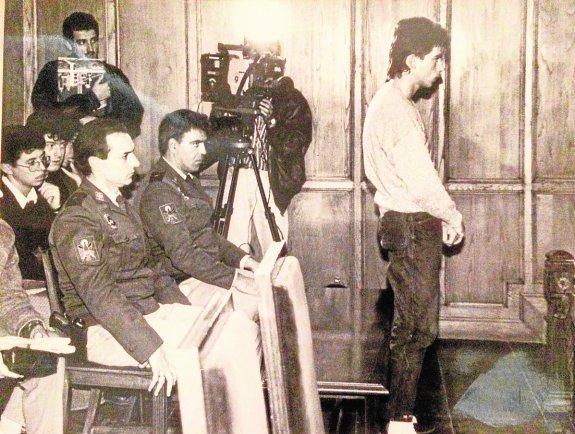 anuel Cascales en 1990 durante el juicio que supuso su primera condena por violación.