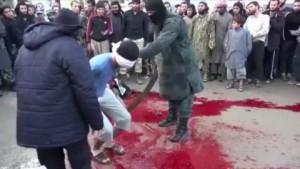 Decapitación llevada a cabo por miembros del Estado Islámico