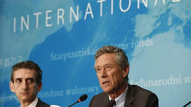 El economista jefe del Fondo Monetario Internacional (FMI), Olivier Blanchard, durante la rueda de prensa celebrada para presentar el informe de Perspectivas Económicas Globales, en Pekín (China)