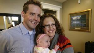 El programa se centra en un grupo de cuatro hombres mormones de Utah, tres de ellos casados con mujeres.