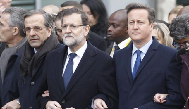 Rajoy, junto a Cameron en la manifestación contra los atentados de París.