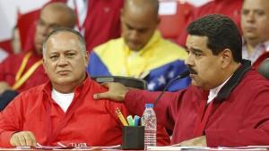 Diosdado Cabello, en una nueva muestra de apoyo del presidente venezolano Nicolás Maduro