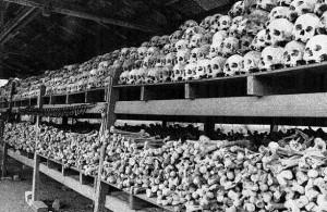 Osario de víctimas de los jemeres rojos desenterradas en Choeung Ek, a quince kilómetro de Phnom Penh