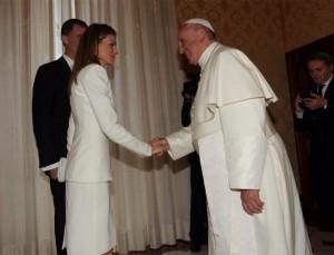 La reina Letizia, en su visita oficial al Papa Francisco