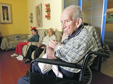 El papa afirma que abandonar a los mayores en una for Asilos para ancianos