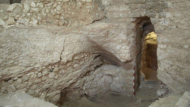 Lo que queda de la casa, ubicada debajo del Convento de las Hermanas de Nazaret
