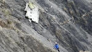 Fragmentos del avión de Germanwings siniestrado en Francia