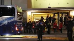 Familiares de las víctimas parten ayer desde Castedefells