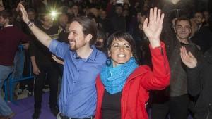 Pablo Iglesias junto a Teresa Rodriguez en un acto de campaña