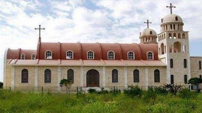 Iglesia de la Virgen María en Tal Nasir, destrozada por el Estado Islámico