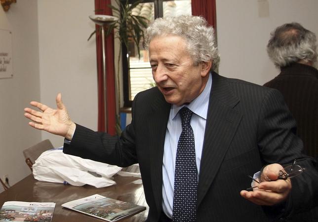 El periodista y sacerdote Antonio Pelayo.