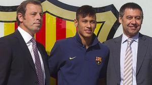 Rosell, Neymar y Bartomeu, el día de la presentación del brasileño