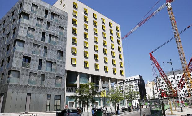 La residencia donde supuestamente vive Sid Ahmed Ghlam, el joven francés sospechoso de planear ataques a una o dos iglesias en París.