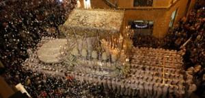 La Sentencia y La Estrella se echan a la calle para completar el Martes Santo de Málaga