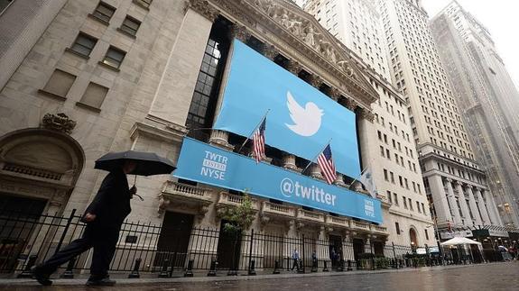 El logo de Twitter en la Bolsa neoyorquina.