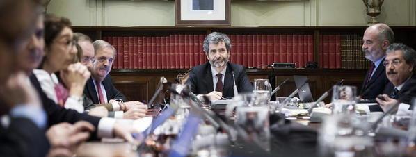 El presidente del Consejo General del Poder Judicial, Carlos Lesmes, al frente del pleno