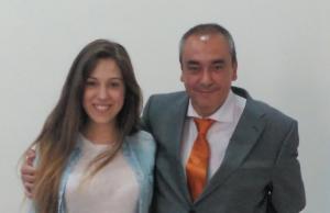 Armando Robles, junto a la modelo Marina Romero, número 10 de la candidatura de Soluciona