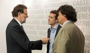 Mariano Rajoy dialoga con Pablo Casado y Jorge Moragas