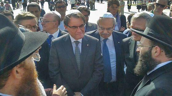 Artur Mas, rodeado de aliados y amigos