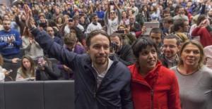 Pablo Iglesias, secretario general de Podemos, y Teresa Rodríguez, líder del partido en Andalucía