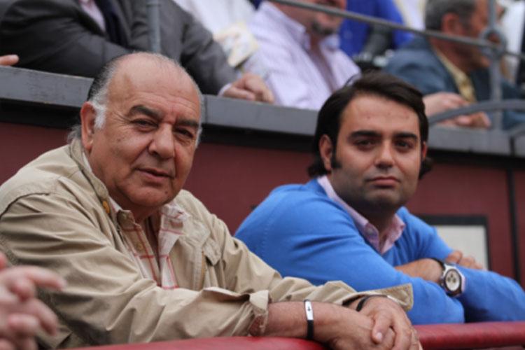 El empresario taurino Carlos Zúñiga, en primer término