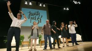 Artur Mas, Carme Forcadell, Germa Bel, Montserrat Palau, Marta Rovira y Albert Batet durante el acto de presentación de los candidatos de Juns pel Si en Valls.
