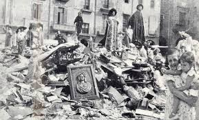Pira incendiaria con objetos religiosos (Madrid,1937)