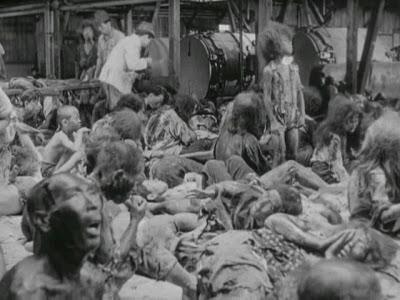 La mayoría de las víctimas de las bombas atómicas no murieron inmediatamente, sino lentamente