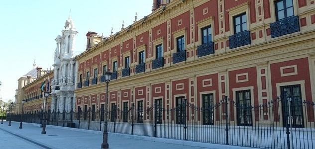 La junta de andaluc a investigada por fraude en los for Oficina junta de andalucia