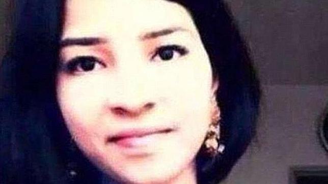 La joven asesinada, Lareeb Khan