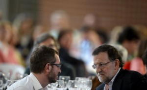 Maroto y Rajoy, en Vitoria durante la campaña de las elecciones municipales.