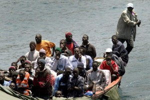 Patera de inmigrantes a su llegada a nuestras costas