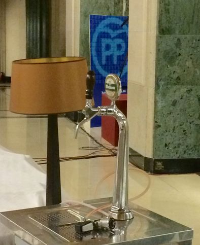 Grifo de cerevza instalado en el Congreso