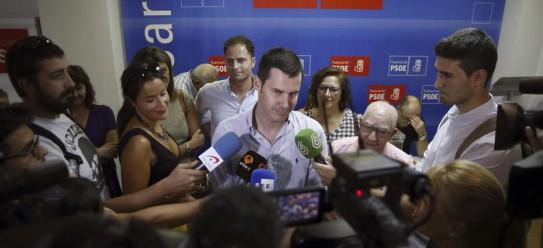 Juan Segovia, tras votar en la agrupación de Fuencarral en las primarias del PSM, el pasado 26 de julio.