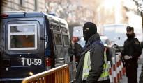 Agentes custodian el traslado de yihadistas a la Audiencia Nacional