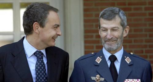 José Julio Rodríguez, exjefe del Estado Mayor, junto a Zapatero