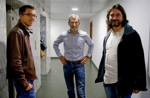 José Julio Rodríguez junto a Íñigo Errejón y Rafa Mayoral. |