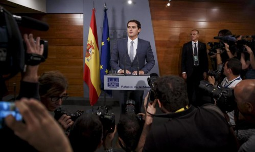 Rueda de prensa de Albert Rivera tras su encuentro con Mariano Rajoy en La Moncloa.
