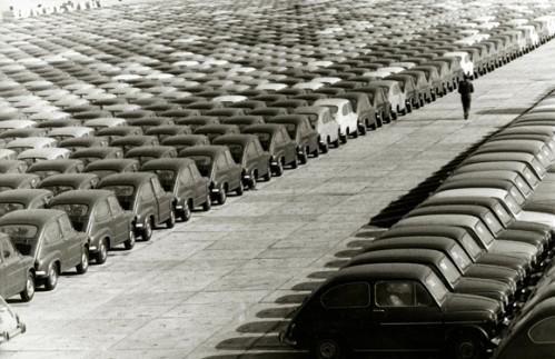 Años 60: Fábrica de Seat, el coche convertido en todo un símbolo del desarrollo