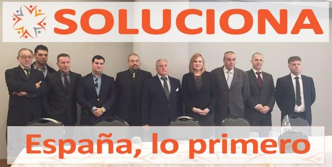 Los candidatos de SOLUCIONA después del acto de presentación