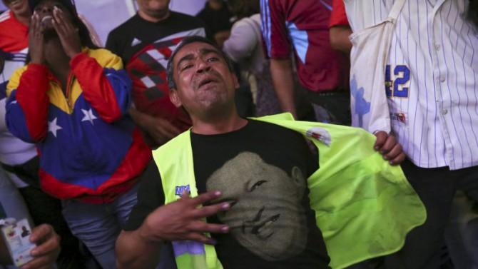 El triunfo opositor en las legislativas se reflejó con todo su dramatismo en los seguidores más fieles del chavismo.