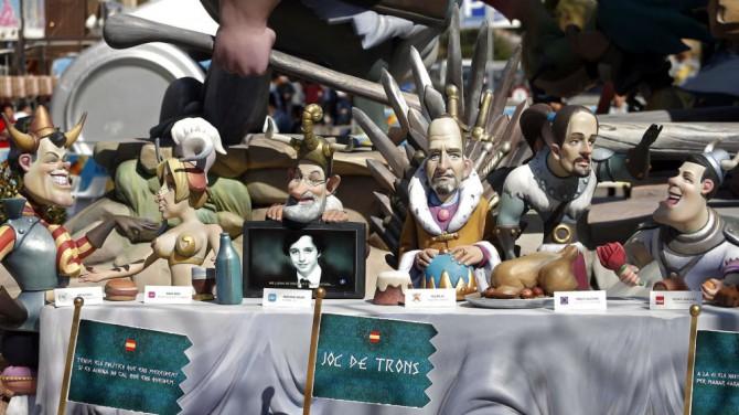 Ninots de las fallas de Valencia con Felipe VI, Mariano Rajoy, Pablo Iglesias, Pedro Sánchez, Artur Mas y Alberto Garzón.