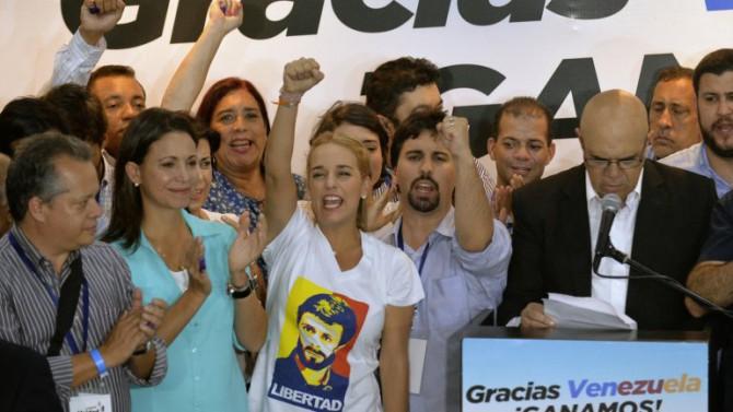 La oposición festejó su victoria parlamentaria