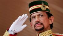 El sultán Hassana Bolkiah de Brunéi prohibió festejar Navidad en exceso para no dañar la fe de los musulmanes.