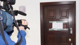 El apartamento 605 donde hubo el crimen, precintado.