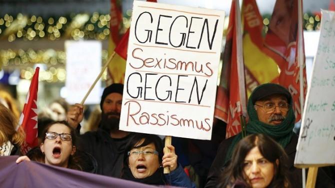 Manifestación contra la cacería sexual llevada a cabo por musulmanes en Colonia durante la celebración del Año Nuevo