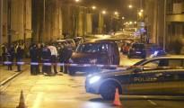 3 / 3 La policía acordona la zona en la que esta madrugada se ha registrado un ataque contra un centro de refugiados en Villingen-Schwenningen (Alemania).