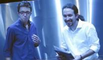 Íñigo Errejón y Pablo Iglesias, estrategas principales de Podemos, en un ascensor del Congreso tras hacer pública su «oferta» a Pedro Sánchez